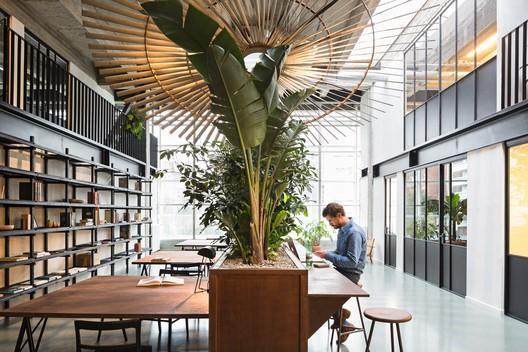 Le marché belge des bureaux et la COVID-19. Une reconversion en logement comme solution ?